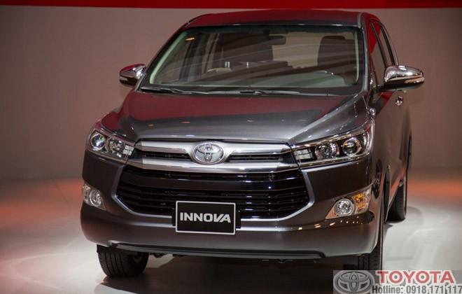 Toyota Innova 2.0V